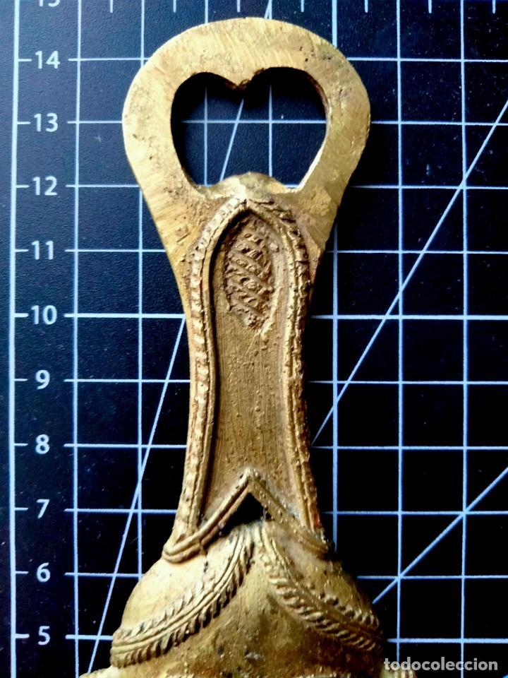 Abrebotellas y sacacorchos de colección: Abrebotellas Descapsulador de Bronce Máscara Étnica - Foto 3 - 290080558