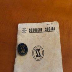 Coleccionismo Acciones Españolas: TARJETA SERVICIO SOCIAL Y CHAPA DE SERVICIO SOCIAL. Lote 211699519