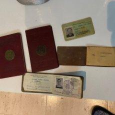 Coleccionismo Acciones Extranjeras: LOTE DOS PASAPORTES VENEZOLANOS AÑOS 50 MÁS OTROS DOCUMENTOS- VER LAS FOTOS. Lote 193882022