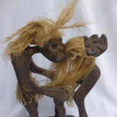 Arte: ESCULTURA TALLA DE MADERA ERÓTICA AFRICANA 21 CM ALTURA, 13,5 CM LARGO X 6 CM. Lote 49124229