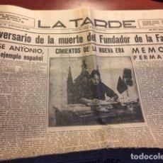 Otros: ANIVERSARIO DE LA MUERTE DEL FUNDADOR DE FALANGE ( PERIÓDICO LA TARDE 20 DE NOVIEMBRE DE 1944). Lote 180889410