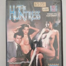 Films: VHS EROTICO/THE HUNTRESS/ERIKA BELLA.. Lote 171424419