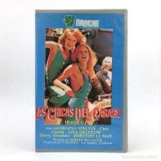 Peliculas: LAS CHICAS DEL GARAJE GEORGINA SPELVIN SUSAN NERO CHRIS CASSIDY LISA DE LEEUW DOROTHY LEMAY LISA VHS. Lote 220788941