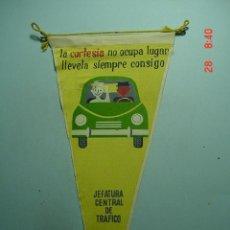 Banderines de colección: 6261 BANDERIN TRAFICO AÑOS 1950/60 - MAS DE ESTE TIPO EN MI TIENDA TC. Lote 9937089