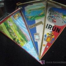 Banderines de colección: LOTE DE TRES BANDERINES EN TELA DEL PAIS VASCO AÑOS 60, IRUN, VERA Y S. SEBASTIAN. Lote 27399619