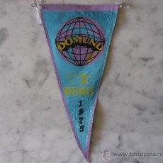 Banderines de colección: ANTIGUO BANDERIN DE TELA,DOMUND AYUDA A LAS MISIONES.MEDIDAS 26,5 X 13 CM. AÑO 1975 . Lote 27563112