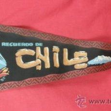 Banderines de colección: BANDERIN IMPRESO EN TELA RECUERDO DE CHILE AÑOS 50. Lote 33526423