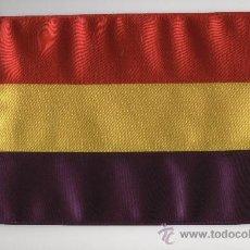 Banderines de colección: BANDERITA REPUBLICANA DE 15X10 EN RASO CONFECCIONADA DOBLE.. Lote 171413159
