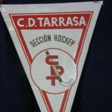 Banderines de colección: BANDERÍN PLASTIFICADO CLUB DEPORTIVO TARRASA SECCIÓN HOCKEY . Lote 39294832
