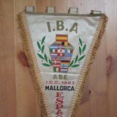 Banderines de colección: ANTIGUO BANDERIN DE ASOCIACION DE BARMEN ESPAÑOLES - AÑO 1967 - I.B.A. Lote 107504034