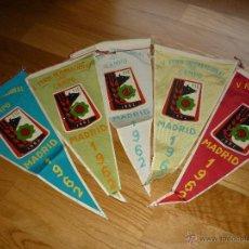 Banderines de colección: 5 BANDERINES V FERIA INTERNACIONAL DEL CAMPO. MADRID. MAYO 1962 BANDERÍN DE TELA. Lote 41279780