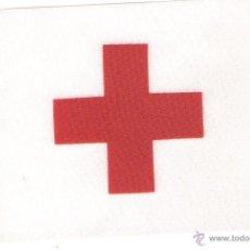 Banderines de colección: 10 BANDERITAS DE SOBREMESA ESTAMPADAS 15X10 CRUZ ROJA. Lote 236497915