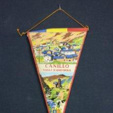 Banderines de colección: BANDERÍN TELA RECUERDO CANILLO VALLAS D ANDORRA AÑOS 50 26 X 13 CM PESO 10 GR. Lote 44413152