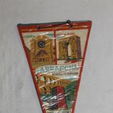 Banderines de colección: BANDERÍN TARRAGONA - CATEDRAL - ARCO DE BARA - ACUEDUCTO ROMANO - TORRE DE ESCIPIONES - 28 CM.. Lote 45002648