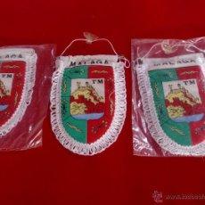 Banderines de colección: MALAGA LOTE 3 BANDERINES ACOLCHADOS NUEVOS. Lote 49897147