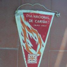 Banderines de colección: DIA NACIONAL DE CARIDAD.CORPUS CHRISTI.CÁRITAS.ESPAÑA.BANDERIN.TAMAÑO: 26 X 13 CTS.. Lote 48863475