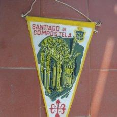 Banderines de colección: SANTIAGO DE COMPOSTELA.BANDERIN TURISTICO.TAMAÑO: 27 X 14 CTS.. Lote 48864024