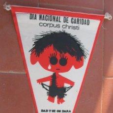Banderines de colección: DIA NACIONAL DE CARIDAD.CORPUS CHRISTI.CÁRITAS.ESPAÑA.BANDERIN.TAMAÑO: 24 X 14 CTS.. Lote 48865250