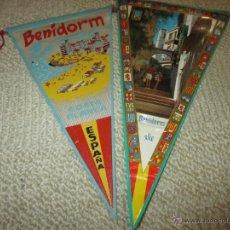 Banderines de colección: BENIDORM, ALICANTE LOTE DE DOS BANDERINES DE TELA Y PLÁSTICO DE LOS AÑOS 60. Lote 54932562