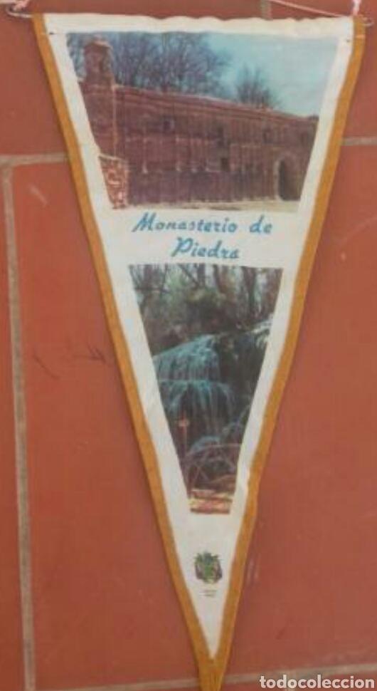 BANDERÍN ANTIGUO MONASTERIO DE PIEDRA (Coleccionismo - Banderines)