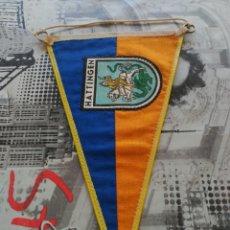 Banderines de colección: ANTIGUO BANDERIN DE TELA CIUDAD ALEMANA HATTINGEN, ALEMANIA.. Lote 87227818