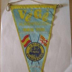 Banderines de colección: BANDERIN VEGE ALIMENTACION COLOCACION PRIMERA PIEDRA BARCELONA 1966 UNION EUROPEENNE. Lote 92297300