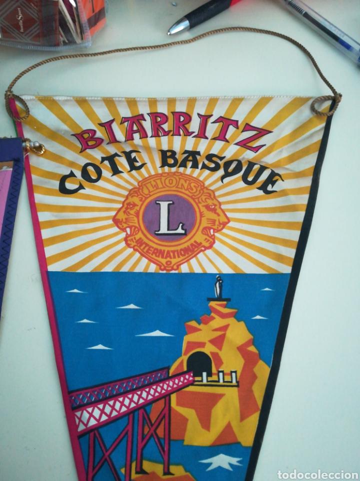 BIARRITZ. BANDERIN LIONS INTERNATIONAL. (Coleccionismo - Banderines)