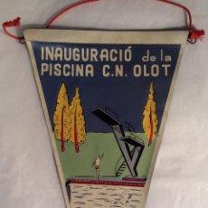 Banderines de colección: BANDERÍN INAUGURACIÓ DE LA PISCINA C. N. OLOT 1962. Lote 101705475