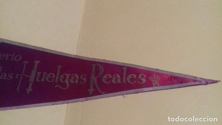 Banderines de colección: Banderín grande Monasterio LAS HUELGAS Reales. Burgos. Tela. 49 cm. Años 60-70. Al dorso: IRUPE. - Foto 4 - 101785767