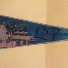 Banderines de colección: BANDERÍN GRANDE LA GRANJA. TELA. 49 CM. AÑOS 60-70. AL DORSO: IRUPE 258 A.. Lote 101786035