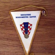Banderines de colección: BANDERIN Y PIN - HNS ( CROACIA (AÑOS 80 ) RARE¡¡¡¡. Lote 107602767