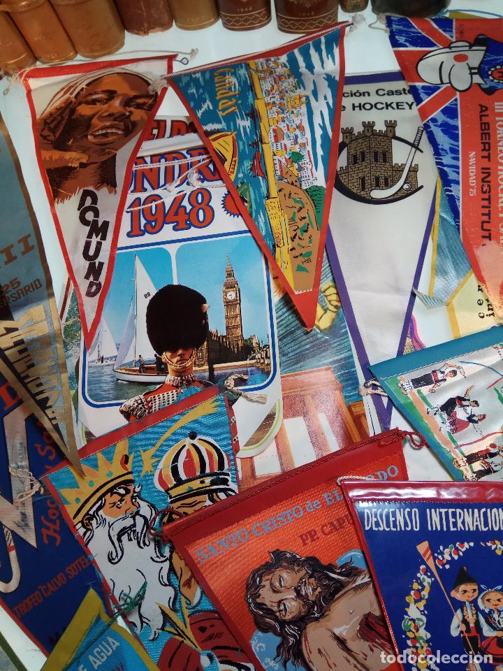Banderines de colección: ESPECTACULAR LOTE DE 62 BANDERINES DE CIUDADES DE ESPAÑA, EVENTOS, RELIGIOSOS, MARCAS, JJOO, ETC. - Foto 3 - 110625755