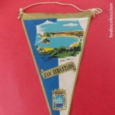 Banderines de colección: ANTIGUO BANDERIN DE TELA- SAN SEBASTIAN - AÑOS 60 ... R-8456. Lote 113392915