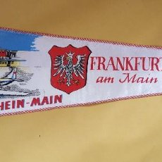 Banderines de colección: ANTIGUO BANDERIN - FLUGHAFEN RHEIN-MAIN FRANKFURT AM AMIN AEROPUERO DE ALEMANIA. Lote 114816779