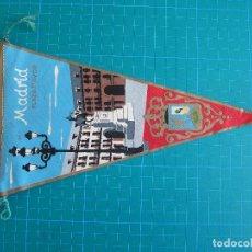 Banderines de colección: BANDERÍN MADRID PLAZA MAYOR 26 CM MARGI 494. Lote 117054859