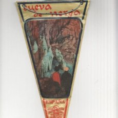 Banderines de colección: BANDERIN: NERJA - IMAGEN INTERIOR DE LA CUEVA DE NERJA. Lote 118430567