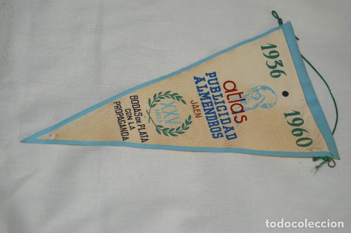 VINTAGE - ANTIGUO BANDERÍN - ATLAS PUBLICIDAD ALMENDROS JAEN - 1936 / 1960 - ENVÍO 24H (Coleccionismo - Banderines)