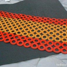 Banderines de colección: ANTGUO MANTEL BANDERA ESPAÑOLA . Lote 124567535