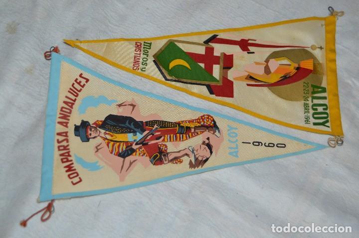 LOTE 2 BANDERINES FIESTAS ALCOY - AÑOS 60 - MUY BONITOS Y CURIOSOS - HAZ OFERTA - ENVÍO 24H (Coleccionismo - Banderines)