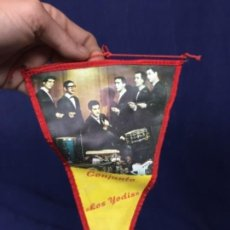 Banderines de colección: LOS YODIS GRUPO MUSICAL ORQUESTA ASTUDILLO PALENCIA GUATEQUE BANDERIN FOTO CONJUNTO LOS YODIS. Lote 128798331
