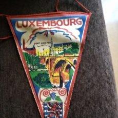 Banderines de colección: BANDERÍN DE LUXEMBURGO. AÑOS 50. Lote 142518602