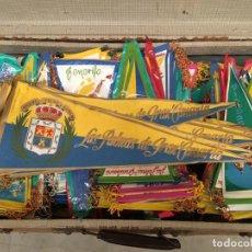 Banderines de colección: LOTAZO DE 200 BANDERINES AÑOS 60. Lote 143341910
