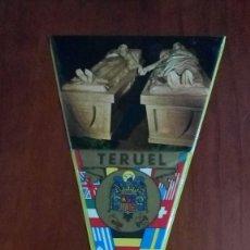 Banderines de colección: BANDERIN AÑOS 60 TERUEL LOS AMANTES. Lote 146751286