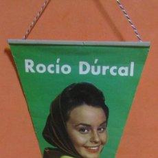 Banderines de colección: BANDERIN ROCIO DURCAL MEDIDAS 14,5 X 31 CMS APROX. AÑOS 60. Lote 149063390
