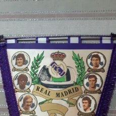 Banderines de colección: BANDERIN FUTBOL REAL MADRID AÑOS (80) TAMAÑO GRANDE. Lote 151643381