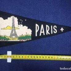 Banderines de colección: BANDERIN PARIS FIELTRO DOS CARAS FRANCIA AÑOS 50 28X13CMS. Lote 151856246