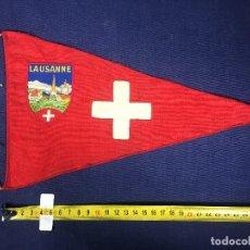 Banderines de colección: BANDERIN LAUSANNE TELA AÑOS 50 31X18CMS. Lote 151862498
