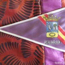 Banderines de colección: BANDERINES-V39-C-ANTIGUO-23X14CM-CAMPING Y MONTAÑA-ESPAÑA-MADRID-CLUB DE CAMPING. Lote 160074370
