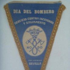 Banderines de colección: AYUNTAMIENTO DE SEVILLA : BANDERIN DEL DIA DEL BOMBERO . AÑOS 60. Lote 164586478