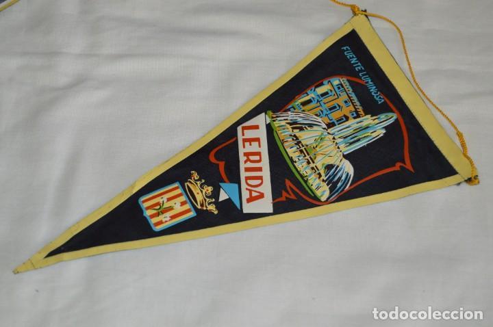 Banderines de colección: Vintage - LOTE 2 BANDERINES - LÉRIDA - FUENTE LUMINOSA / SEO ANTIGUA - AÑOS 60 - HAZ OFERTA! - Foto 2 - 171026630